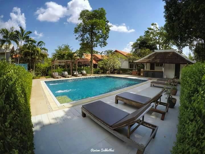 Tharaburi Resort : Swimming pool